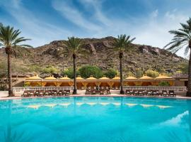 The Canyon Suites at The Phoenician, a Luxury Collection Resort, Scottsdale, golf hotel in Scottsdale