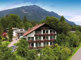 Grainauer Hof, hotel near Garmisch-Partenkirchen City Hall, Grainau