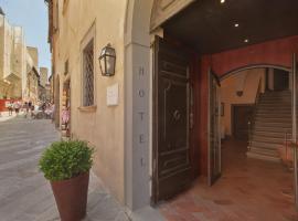 Hotel L'Antico Pozzo, hotel in San Gimignano