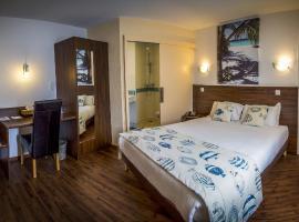 Brit Hotel Azur, hotel near Puy du Fou Theme Park, Saint-André-de-la-Marche