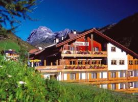 Boutique Hotel Lechtalerhof, hotel in Warth am Arlberg