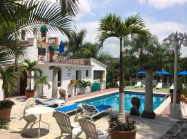 Hotel Bajo el Volcan, hotel in Cuernavaca