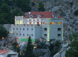 Hotel Villa Dvor, room in Omiš