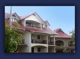 L'Hirondelle Self Catering Guest House, hotel near Vallee de Mai Nature Reserve, Praslin