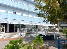Hotel Paris, hotel v Lignanu Sabbiadoru
