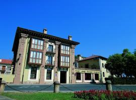 Palacio Azcárate Hotel, hotel near San Millán de Suso and San Millán de Yuso Monasteries, Ezcaray
