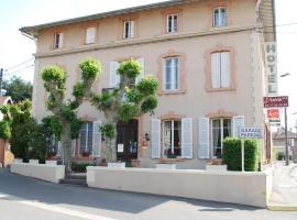 Hôtel L'Astrée、Feursのホテル