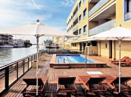 Pierre & Vacances Empuriabrava Marina, hotel a Empuriabrava