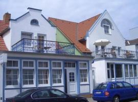 Hotel Zum Strand, hotel in Warnemünde