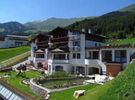 Hotel Cores, pet-friendly hotel in Fiss