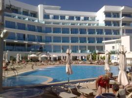 Vrissaki Beach Hotel, ξενοδοχείο στον Πρωταράς