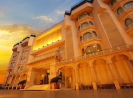 Golden Tulip Jaipur, отель в Джайпуре
