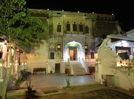 Hotel Radhika Haveli, Mandawa, room in Mandāwa