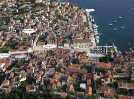 Apartments and Rooms Kampanel, boutique hotel in Hvar