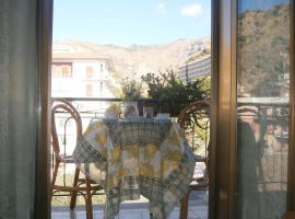 Hotel Pensione Cundari, hotel Taorminában