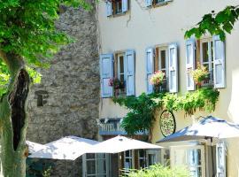 Hotel La Bougnate、ブレルのホテル