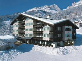 Alpen Hotel Corona, hotel a Vigo di Fassa