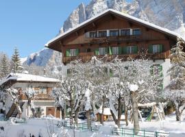 Hotel Pontechiesa, hotel in Cortina d'Ampezzo