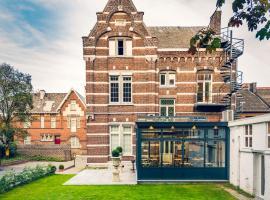 Boutique Hotel Huys van Steyns, hotel near Europlanetarium Genk, Tongeren