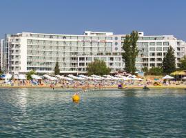 Хотел Нептун Бийч , хотел близо до Бар Корнер, Слънчев бряг