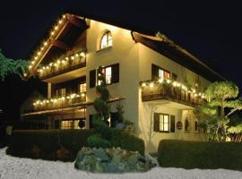 Romantische 5-Sterne- Ferienwohnungen, hotel in Mittenwald