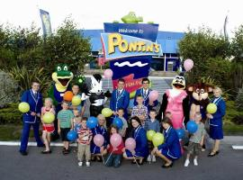 Pontins-Southport Holiday Park, hotel in Southport