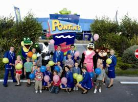 Pontins - Prestatyn Sands Holiday Park, holiday park in Prestatyn
