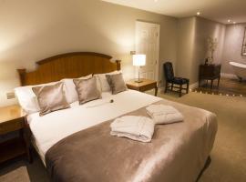 TF Royal Hotel & Theatre, hotel in Castlebar