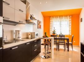 Orange Apartment, hotel in Pula
