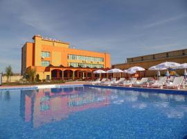 Hotel Amigos, hotel in Lukovit
