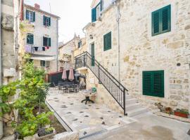 Peruzovic Rooms & Apartments, hotel in Split