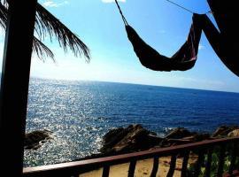 Lucky Resort, hotel in Haad Yao