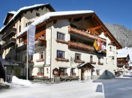 Hotel La Cruna, hotel in Sedrun