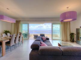 Seafront Apartment Sliema, hotel near The Point Shopping Mall, Sliema