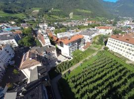 KRONE eat drink stay, hotell i Brixen