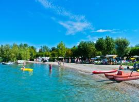 Camping Village Du Parc, glamping site in Lazise