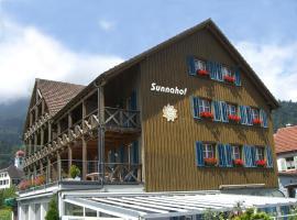 Hotel BZ Sunnahof, hotel near Säntis, Oberschan