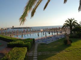 Hotel Baia Del Sole, hotel a Civitavecchia