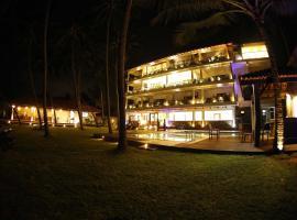 Blue Beach Hotel, hotel in Wadduwa