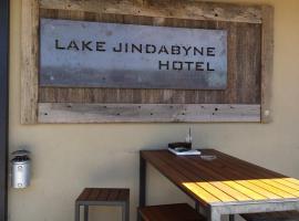 Lake Jindabyne Hotel, hotel in Jindabyne
