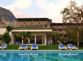 Villa Franca, hotel in Nago-Torbole