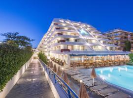 Hotel Montemar Maritim, отель в Санта-Сусанне