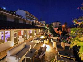 Sandy Bay Hotel, hotel in Plomarion