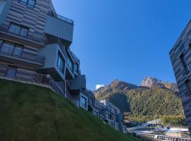 SKYPARK Hotel, hotel in Estosadok