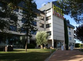 Hospedium Hotel Europa Centro, hotel en Magaz De Pisuerga
