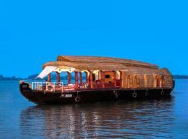 Aqua Jumbo Houseboats, hotel in Kumarakom
