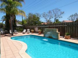 Marion Motel and Apartments, hotel near Castle Plaza Shopping Centre, Adelaide