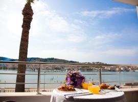 Apartments Svjetlana, luxury hotel in Trogir