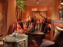 Luxor Gardens, отель в Батуми