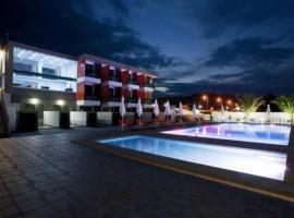 Thalassa Boutique Apartments, hotel in Sarti